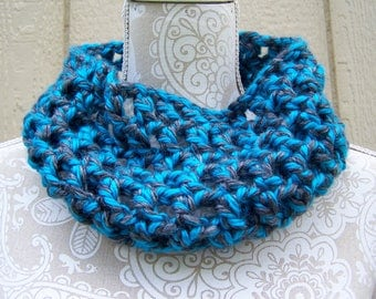 Blue and Grey Crocheted Cowl / Neck Warmer / Blue Cowl / Grey Cowl / Cowl Scarf / Circle Scarf / ready to ship