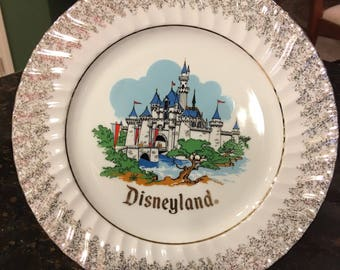 WALT DISNEY's DISNEYLAND Sleeping Beauty's Castle Wall Plate with Gold Trim ~ 10 inches!