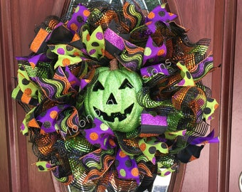 Halloween pumpkin wreath, Halloween wreath, Halloween door decor, pumpkin decor, pumpkin wreath, outdoor wreath, Halloween pumpkin decor