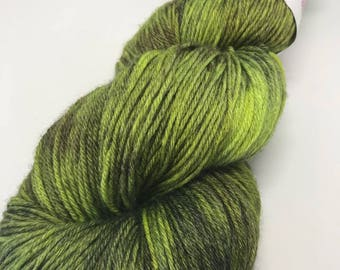 Hand Dyed Yarn Wool 80/20% Superwash Merino/Bamboo 400m 100g Hank Sock Fingering 4Ply Oddball Lime Tonal