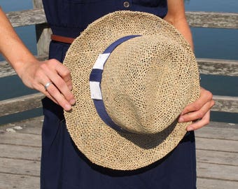 Straw hat of seagrass with Grosgrain Ribbon in blue and white