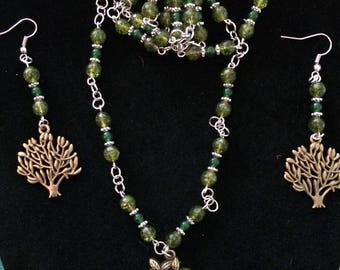 """32"""" Peridot  (August Birthstone) Tree necklace and earring set with jade beads"""