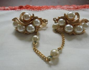 Vintage Cardigan Clip Gold Tone with Pearl Accent
