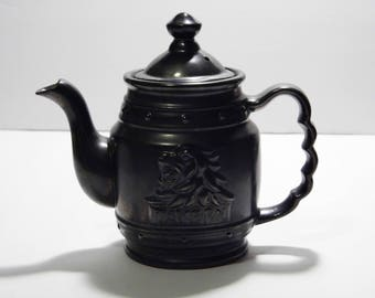 Vintage Lion Tavern Teapot - manly teapot with a Kingly feel - Priority Shipping - See shop for more Awesome Teapots!