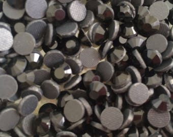 20 6 mm Thermo about black crystal rhinestones
