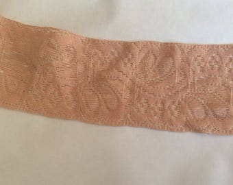 Lace between two spandex d approx 5 cm flesh color