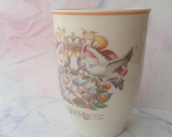 Cup in honor of Beatrix, 1938, birth, Petrus Regout, Maastricht, Made in Holland