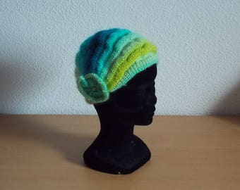 Knitted multicolored Charleston hat for kids