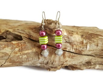 Earrings purple and square beads Green