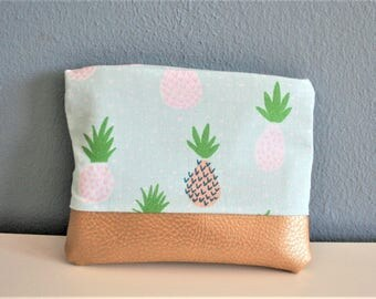 Small bag with a pineapple motif, small bag