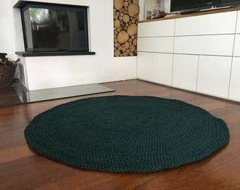 Crochet rug in dark green diameter 125 cm