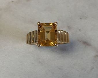 14kt Yellow Gold Lady's Genuine Citrine Ring