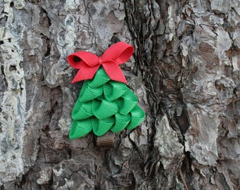 Dark Green Christmas Tree Clip