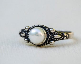 Sale - Pearl Ring, Silver Pearl Ring, Pearl Silver Ring, Sterling Silver Ring, Pearl Jewelry, Small Pearl Ring, White Pearl, Freshwater