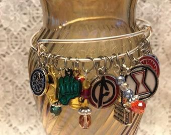 Avengers Charm Bangle Bracelet/Avengers Jewelry/Avengers Fan Gift/Avengers/Avengers Bracelet/Marvel Comic Bracelet