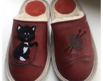 Women slippers, kitten slippers, cat slippers, leather slippers, wool slippers, embroidered slippers for women, closed toe slippers, gift
