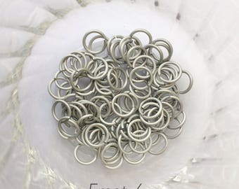 "18g 1/4 ""chainmaille saw cut jump rings, white jump rings, aluminum rings, DIY, chainmaille supplies, white jumprings, Tessa's chainmail"