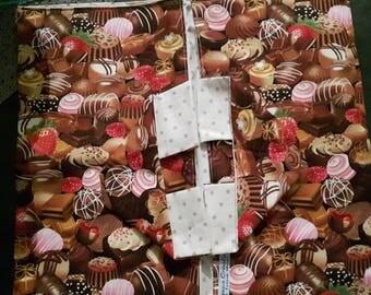 bag has cake pie or cake fabric
