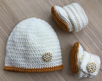 New baby beanie and bootie set - Spring collection