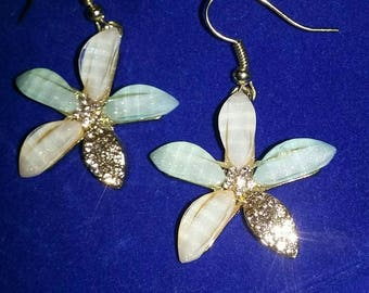Sparkly rhinestone flower vintage earrings