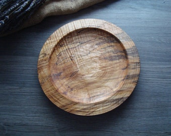Wooden plate, 22 cm diameter, handcarved.