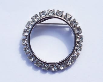 VINTAGE Clear Rhinestone and Silver Tone Circle Brooch