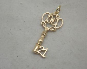 9carat gold 21stkey charm