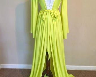 Green Maternity Dress//Ready to ship// Maternity Dress for Photoshoot