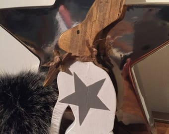 Wooden Hare / Rabbit / Bunny with large star design & hanging star