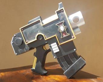 Warhammmer 40k-Inspired Inquisition Bolt Pistol Replica