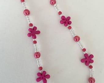 Bright pink splash shaped bead necklace