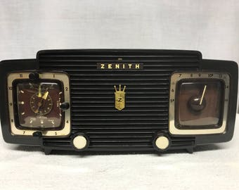 Zenith vintage retro tube radio with iphone or bluetooth Input.