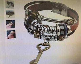 Several genuine leather straps - trendy
