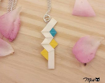 "Origami white version [made] ""Lightning FFXIII"" pendant necklace"