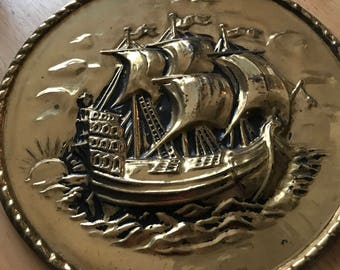 Boat plate for wall hanging