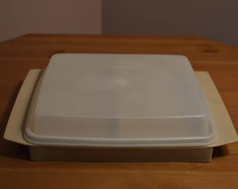 Vintage Tupperware made in USA 723-1 tan or taupe split tray with clear lid