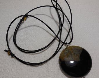 Agate pendant necklace and cotton cord