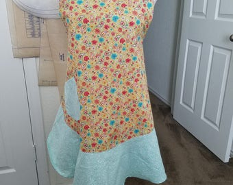 Womans Paisley Apron