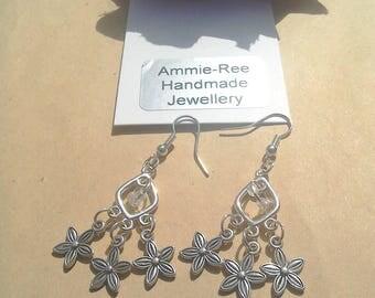 Silver-plated Chandelier cluster flower earrings