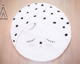 Sleepy Eyes design, round, play mat, nursery décor, crawling mat, baby shower gift, tummy time ,activity mat