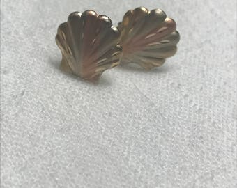 Vintage Tri-Color Gold Scallop Shell Stud Earrings