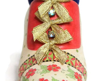 Miniature Vintage Victorian Shoe Style Pin Cushion, (Christmas Design), Embroidery, Sewing, Pin & Needle Accessories, Sewing Gift