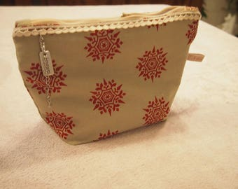 Small pouch for makeup go anywhere