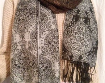 Scarf made of cotton and acrylic grey and black