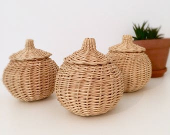 Small wicker baskets set.