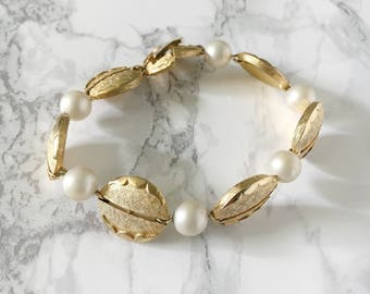 textured leaf and pearl bracelet