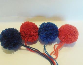 lot de 4 pompons rouge et bleu