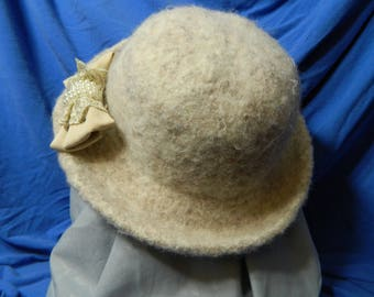 White/ Off White Felted Wool Hat