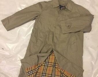 SALE ! Vintage BURBERRYS trench coat size L
