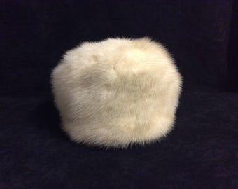 Ladies vintage white mink fur hat